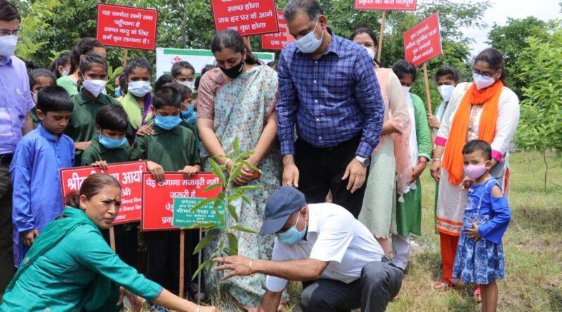 Honorable Cabinet Minister, Women Empowerment & Child Development, Govt. of Uttarakhand, Smt. Rekha Arya Ji inaugurate a plantation program at UCOST, Vigyan Dham, Jhajra Dehradun  on  16th July, 2021 on the occasion of Harela.